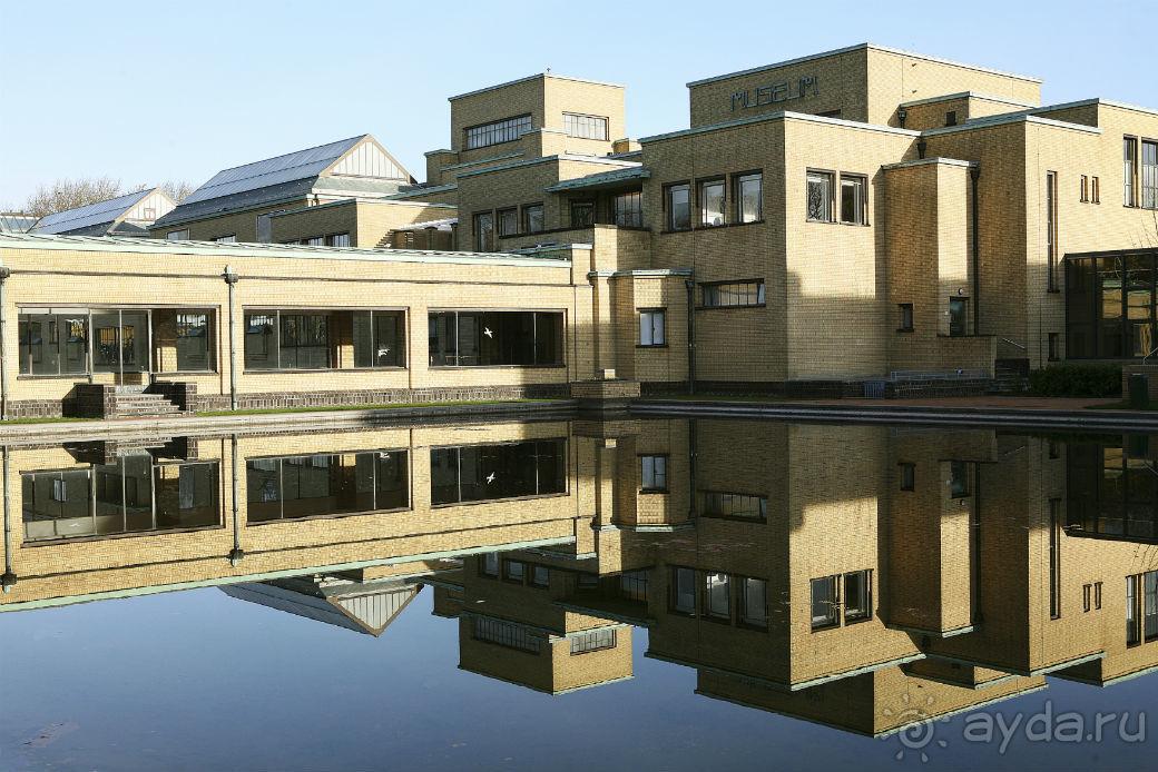Муниципальный музей Гааги в Гааге - AYDA.RU
