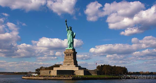 статуя свободы в нью йорке фото